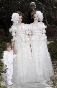 Lagerfeld leszbi menyasszonyai