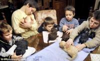 A pár kutyaterápiával is próbálta nevelni a nehezen kezelhető gyerekeket