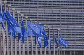 Strasbourgi bírójelölés: továbbra is tiltakoznak a civilek