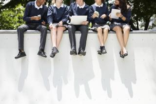 Az iskolák bezárásával új veszélyeknek lehetnek kitéve az LMBTQI diákok