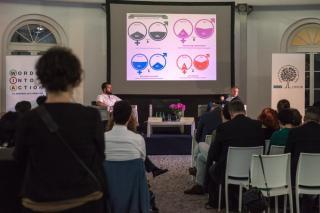 Előadás a varsói workshopon (forrás: EBESZ ODIHR)